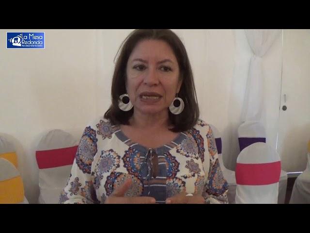 La mesa redonda  en Moviemiento de Mujeres Maria Elena Cuadra