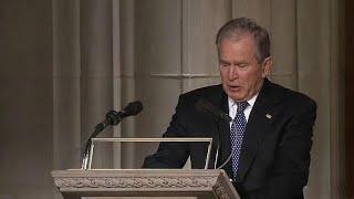 شاهد: جورج بوش الإبن بجهش بالبكاء خلال تأبينية والده