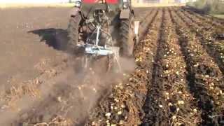 Картофелекопалка для трактора(Самодельная картофельная копалка грохотного типа для трактора. Трактор, между прочим, тоже самодельный,..., 2014-08-27T21:56:44.000Z)