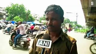 Indien: Verkehrspolizist tanzt gegen das Chaos