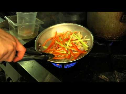 How to Cook Chinese Chicken : Simple Recipes & Cooking Tips