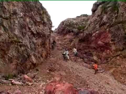 MOUNTAIN MAN-DASHRATH MANJHI