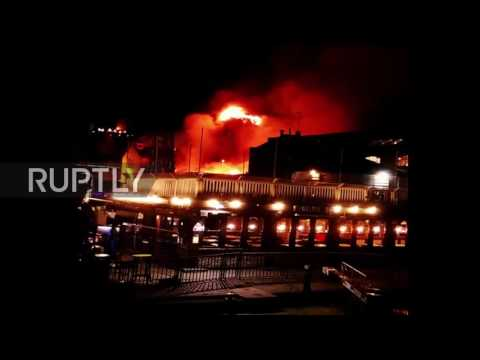 UK: Firefighters quell large blaze in London's Camden Lock Market
