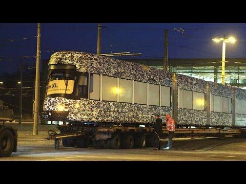 S, M, L? – XL! Neue Straßenbahn in Leipzig eingetroffen