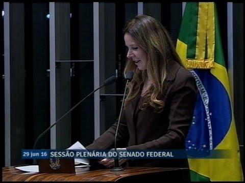 Vanessa Grazziotin denuncia situação dos doentes renais no sistema de saúde pública do Amazonas