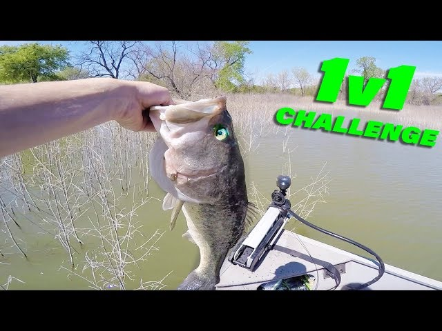 Subscriber Vs YouTuber Fishing Challenge! (SUPER Strange Fish Catch)