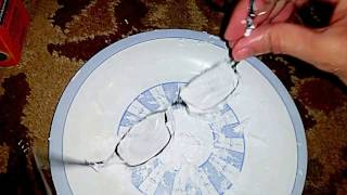 Removing Scratches From Eyeglasses With Toothpaste + Baking Soda