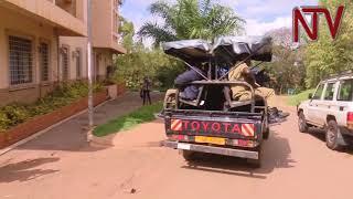 Ekkomo Ku Myaka: Poliisi, amagye basiibye bagobagana n'abayizi b'e Makerere abawakanya ekiteeso thumbnail