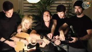 5 người cùng chơi chung 1 cây guitar.mpg