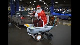 Santa on a self-propelled bath rides at Rostov-on-Don