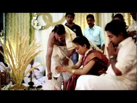 Vineeth Sreenivasan wedding | Paperboat | kerala wedding photography