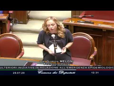 Una grandissima Giorgia Meloni umilia Conte intervenendo in Aula: Non consentiremo poteri speciali