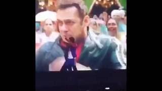 Ranveer Singh dancing to Salman Khan