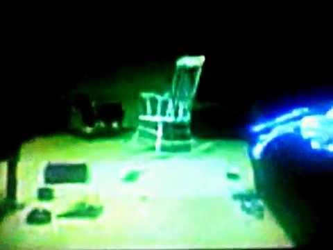 Video reaccion la silla que se mueve sola youtube for Silla que se mueve