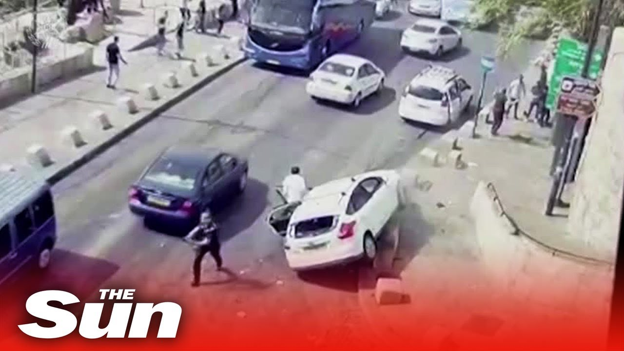 Download Car hits Palestinian in Jerusalem after stone-throwers attack Israeli motorist's vehicle