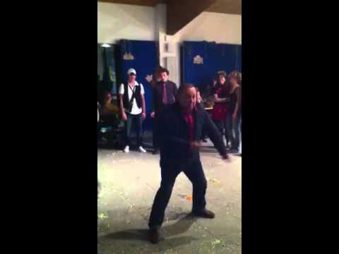 se cerini balla da solo tu fallo ballare!