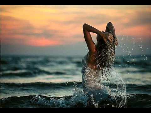 Phaeleh Feat Jess Mills - Storm