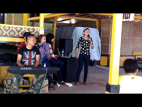 Penyanyi Dangdut Latah