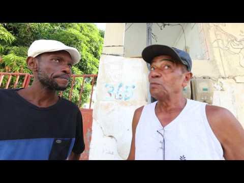 Bezerra da Silva chegando na Baixada