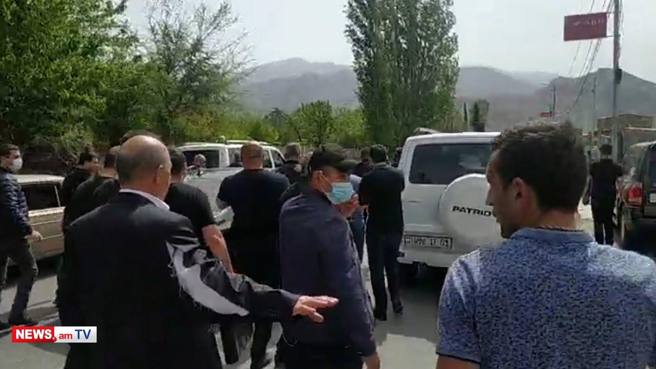 Տեսանյութ.Պատռեցին ԱԱԾ պետական պահպանության ծառայության ղեկավարի հագուստը