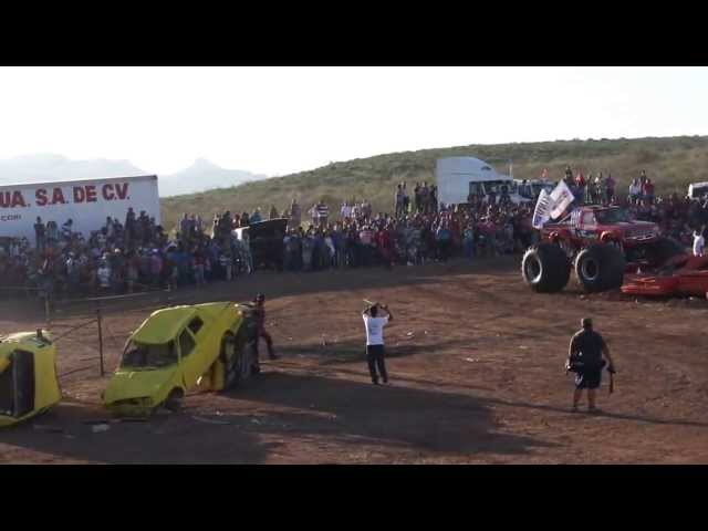 Accidente Monster Truck  Aero Show Chihuahua 2013 Mexico Videos De Viajes