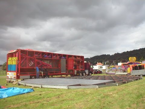 FAIRGROUND BUILD UP SCOTLAND Kyle Taylor's DODGEMS complete build up HD part 1