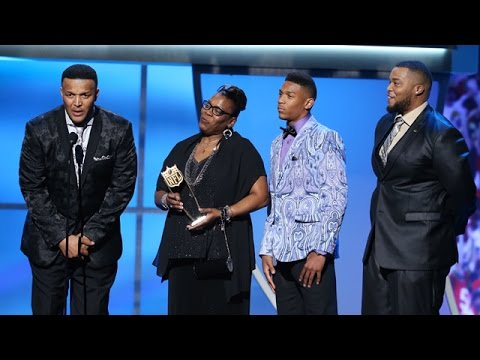 Cam Newton Wins AP Offensive Player of the Year Award | 2016 NFL Honors