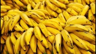 видео Какие фрукты можно есть при грудном вскармливании, и когда?