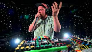Dan Deacon - When I Was Done Dying (Live on KEXP)