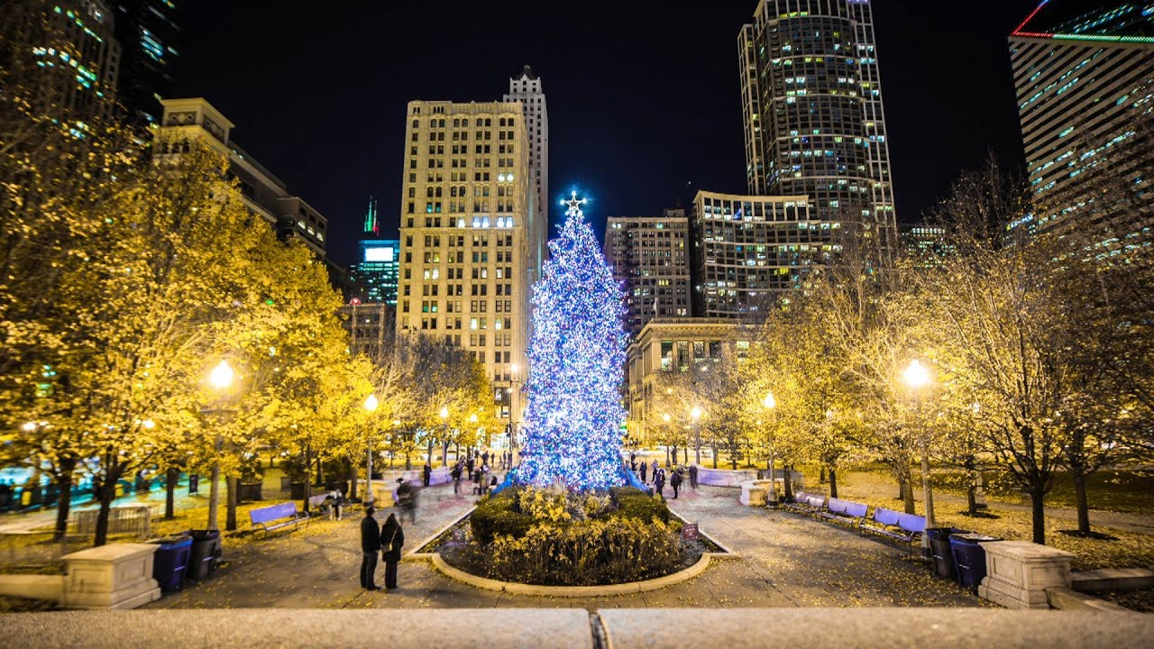 Christmas in Chicago is Spectacular - YouTube