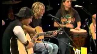 PUDDLE OF MUDD - Away From.Me [VH1-Live.Acoustic].flv