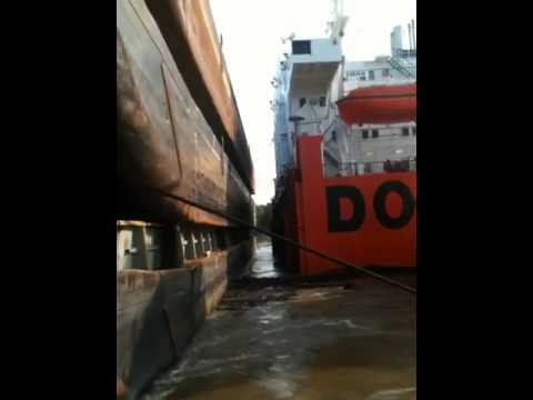 Stacking barges on ship