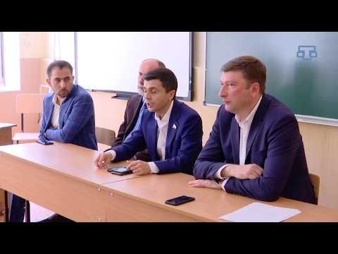Незаконная работа карьера, отсутствие воды и газа в Кировском районе