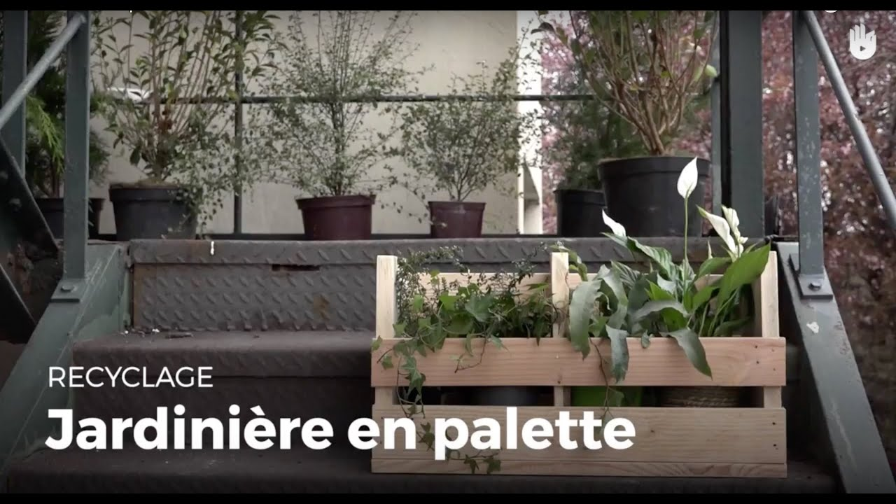 fabriquer une jardini re en bois de palette recycler youtube. Black Bedroom Furniture Sets. Home Design Ideas