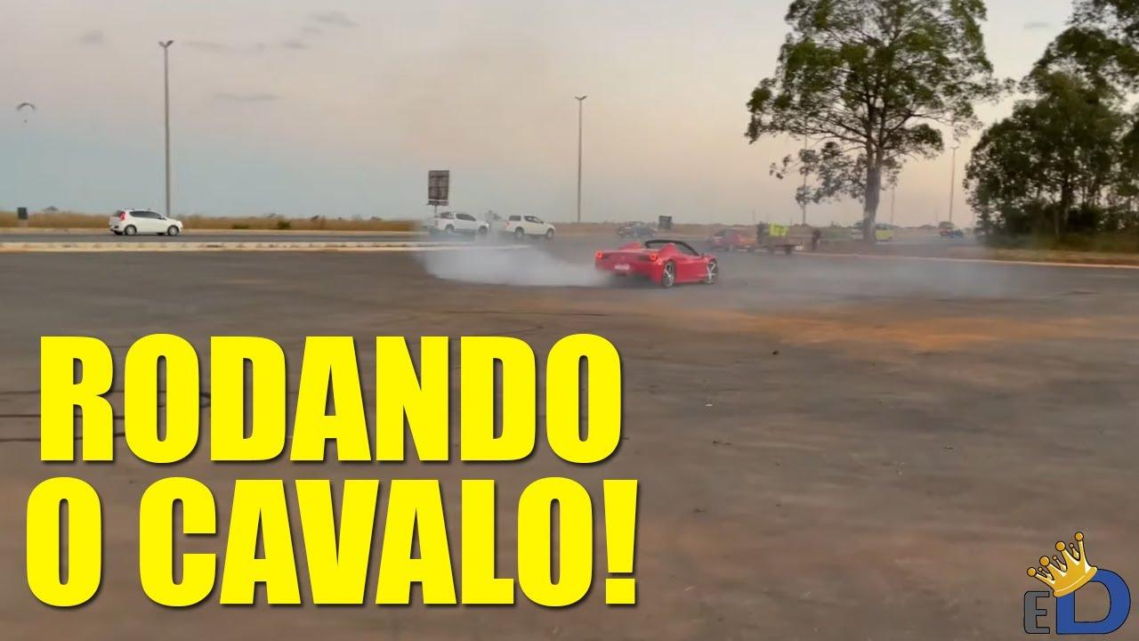 CAVALO DE PAU DE FERRARI - EstiloDUB