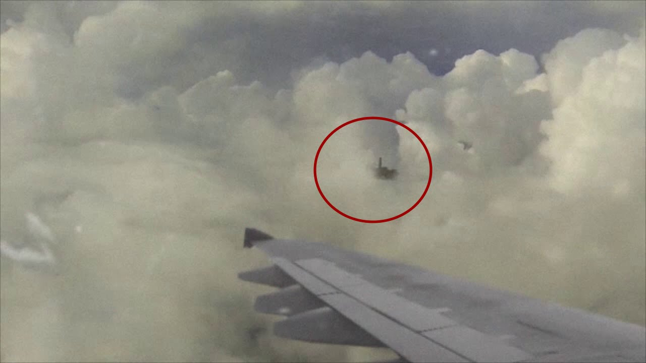 Ufo spaceship captured from passenger plane passenger for Passengers spaceship
