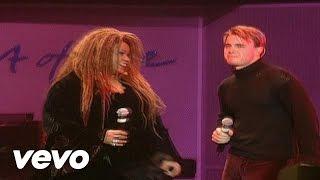 Смотреть клип Gary Barlow Ft. Rosie Gaines - Hang On In There Baby
