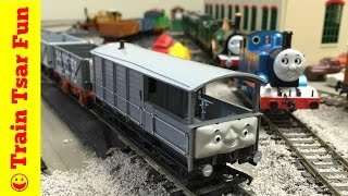 TOAD Bachmann NEW 2016! Thomas and Friends HO Scale Trains Brake Van