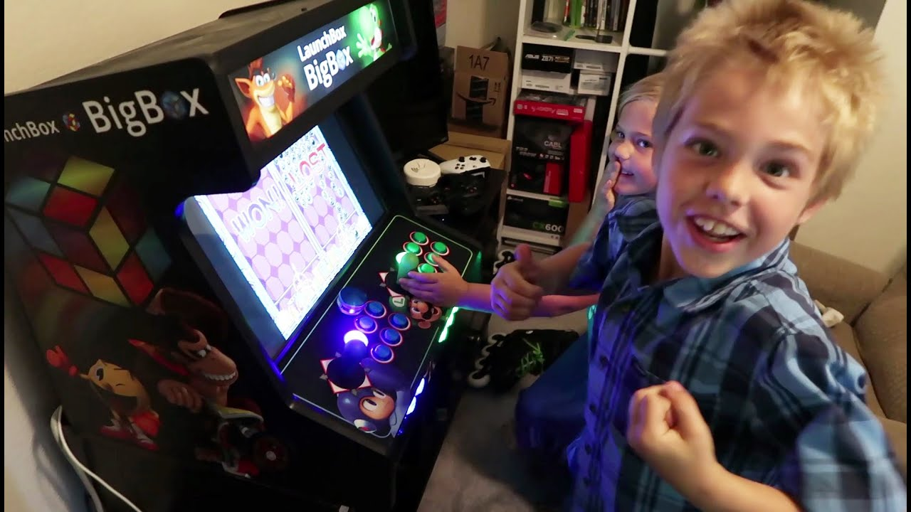 LaunchBox Big Box Bartop Arcade LEDBlinky Demo - YouTube
