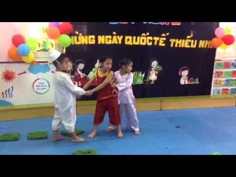hoạt cảnh Nhổ củ cải (MGN5 Việt Triều 11/5/2013)