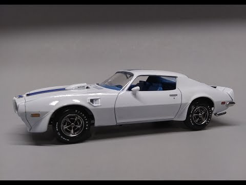 Revell 1970 Pontiac Firebird T/A 2n1 1/24 Scale Model Kit Build Review 85-4489