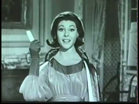 VINTAGE EARLY 60's WANDA THE WITCH FOR HIDDEN MAGIC HAIR SPRAY COMMERCIAL