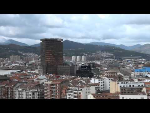 El rascacielos BBVA skyscrapers de Bilbao Vizcaya