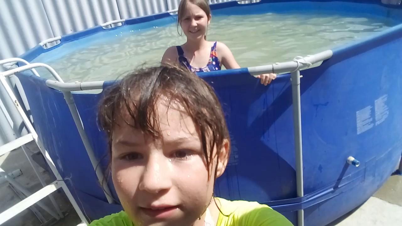 Купаемся в бассейне 😎😎👙👙