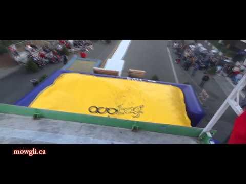 Acrobag in Fresno, California - extreme double back flips, funny crashes, stupid humans!