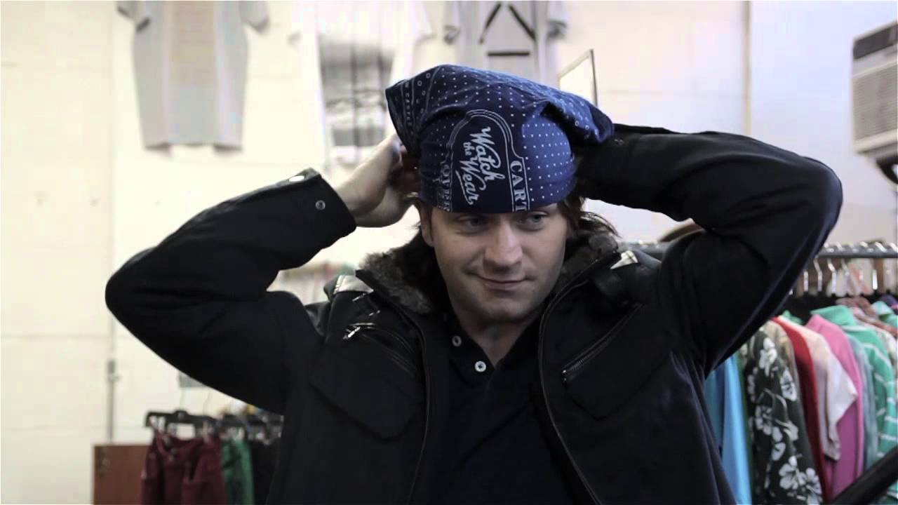 How to Fold a Bandana Into a Hat : Men's Fashion - YouTube