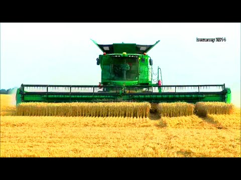 605 Super M Cornstalk Special Baler | Vermeer Agriculture Equipment from YouTube · Duration:  5 minutes 46 seconds