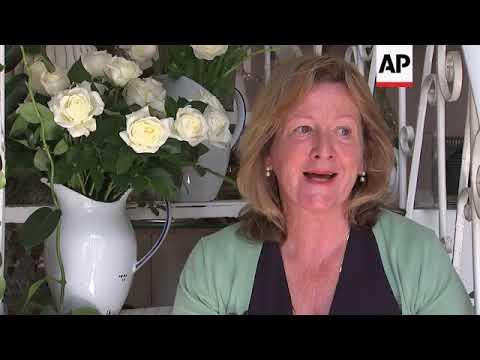 Bespoke florist Sue Barnes predicts Prince Harry and Meghan Markle's wedding flower arrangement, dis