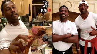 Antonio Brown Cooks Steak For Terrell Owens At The Mansion! 👨🏾🍳
