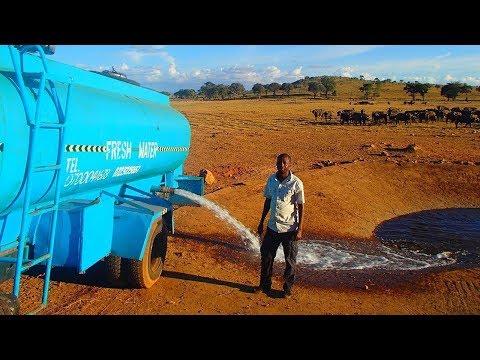 Bu adam her gün kamyonuyla 11,356 litre su taşıyordu, ona bunu yaptıran bölgedeki boşluktu